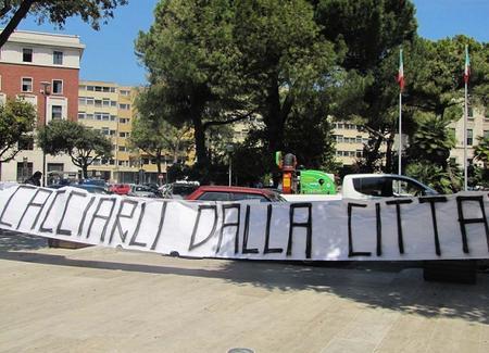Pagine Abruzzo - Pescara - Sabato i funerali dell'ultras ...